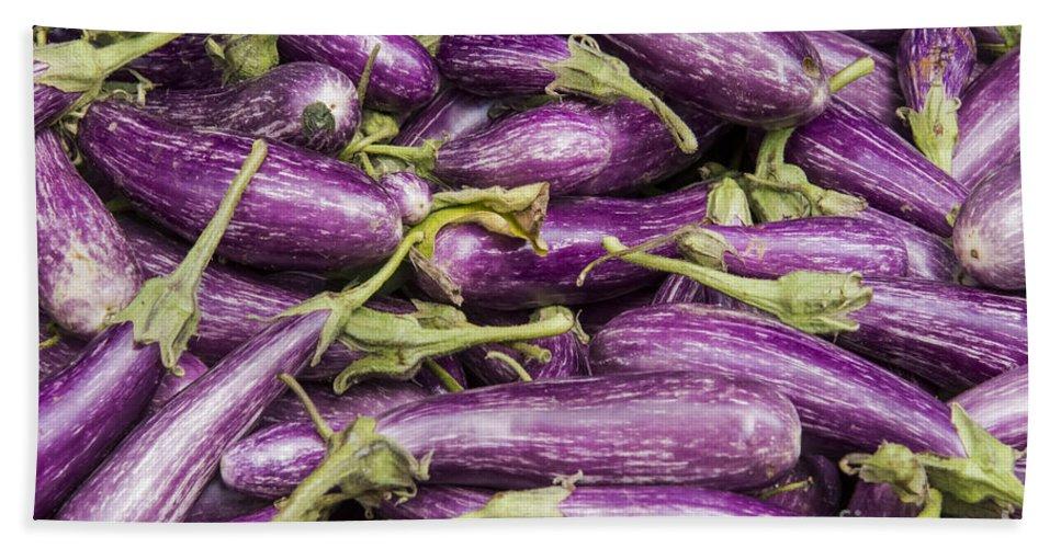 Union Square Greenmarket Eggplant Purple Eggplants Fruit And Vegetable Market Markets Fruits New York City Bath Sheet featuring the photograph Purple Eggplant by Bob Phillips