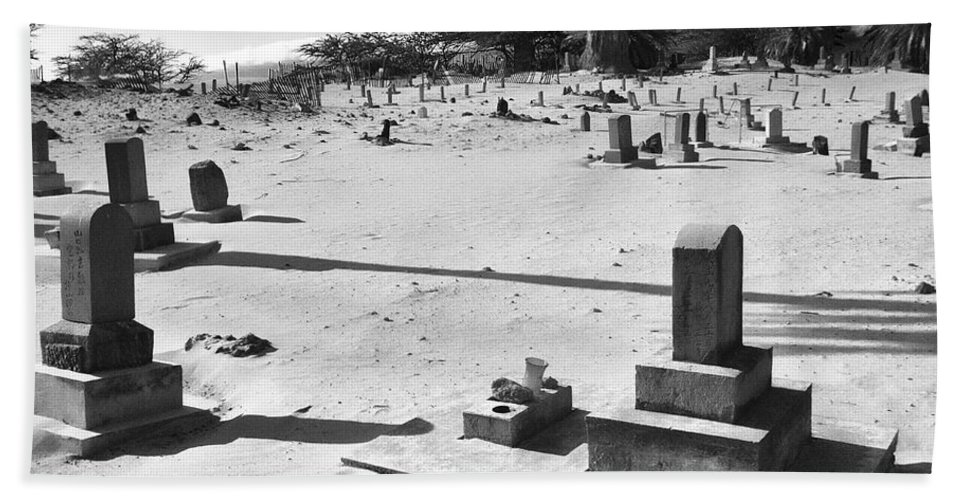 Black And White Bath Sheet featuring the photograph Puupiha Cemetery Lahaina Maui by Dominic Piperata