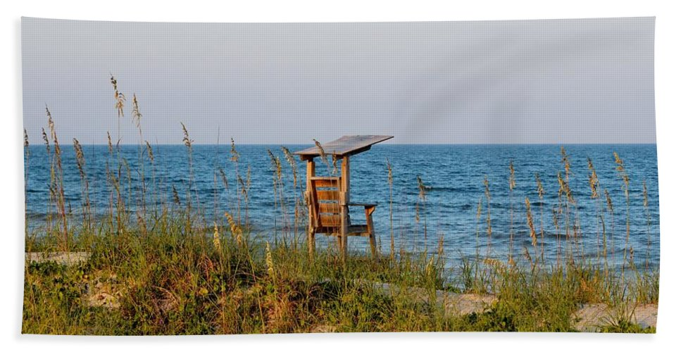 Quiet Hand Towel featuring the photograph Quiet On The Beach by Cynthia Guinn