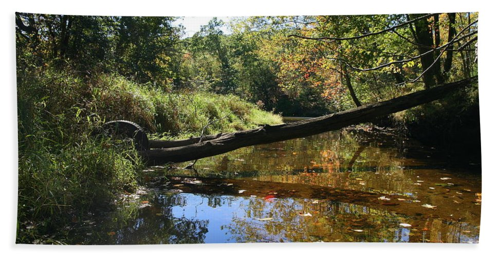 River Bath Sheet featuring the photograph Quinnebaug Reflections by Neal Eslinger