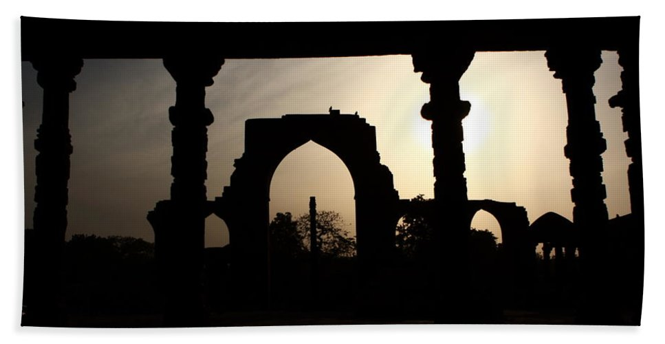 India Hand Towel featuring the photograph Qutab Minar Complex - New Delhi - India by Aidan Moran