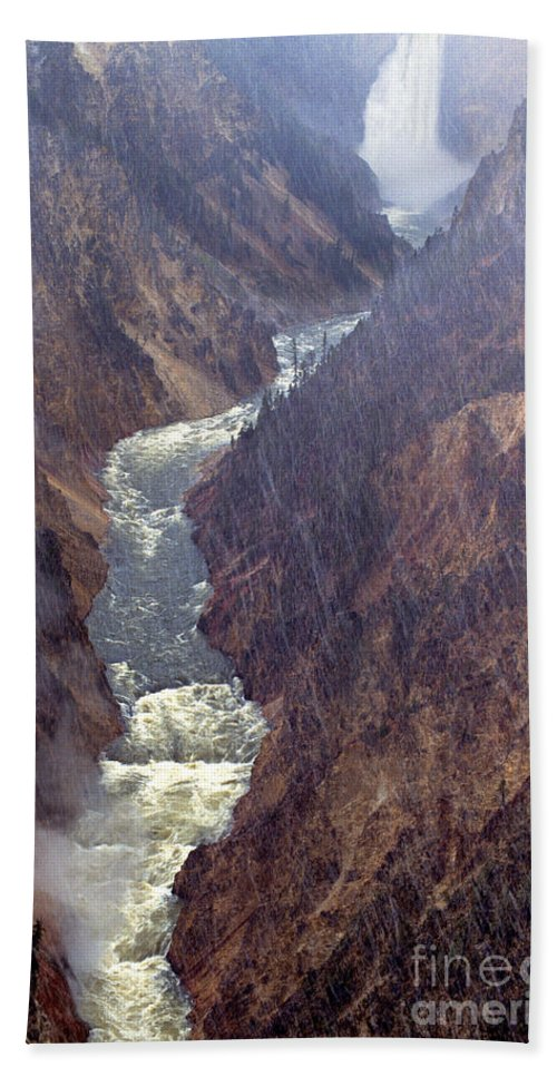North America Bath Towel featuring the photograph Rainstorm Over Grand Canyon Of The Yellowstone by Dave Welling