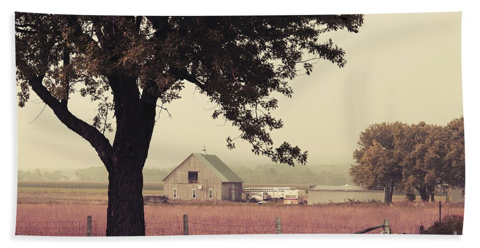 Autumn Hand Towel featuring the photograph Rawdon's Countrylife by Aimelle