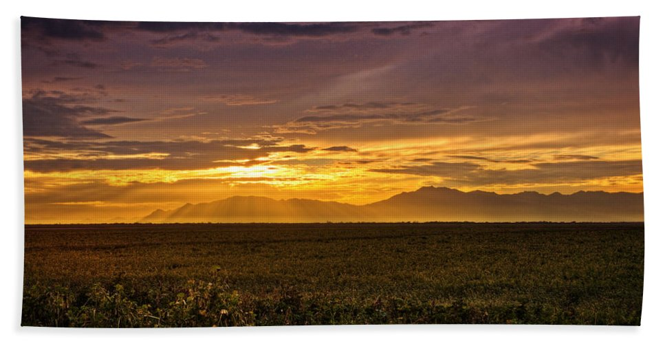 Sunset Bath Towel featuring the photograph Rays Of Hope by Saija Lehtonen
