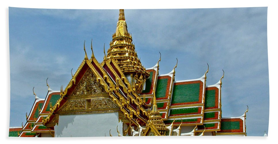 Reception Hall At Grand Palace Of Thailand In Bangkok Hand Towel featuring the photograph Reception Hall At Grand Palace Of Thailand In Bangkok by Ruth Hager