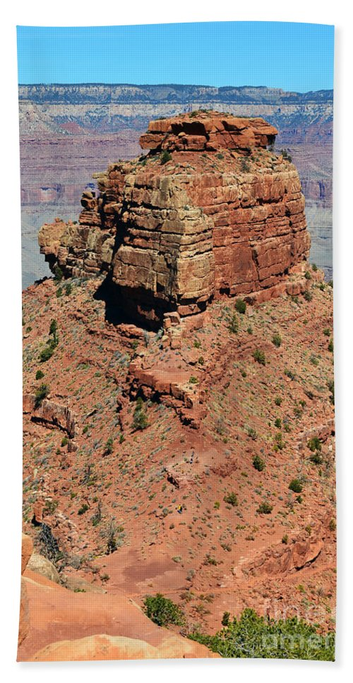 Grand Canyon Bath Towel featuring the photograph Red Caprock Along Kaibab Trail Grand Canyon National Park by Shawn O'Brien