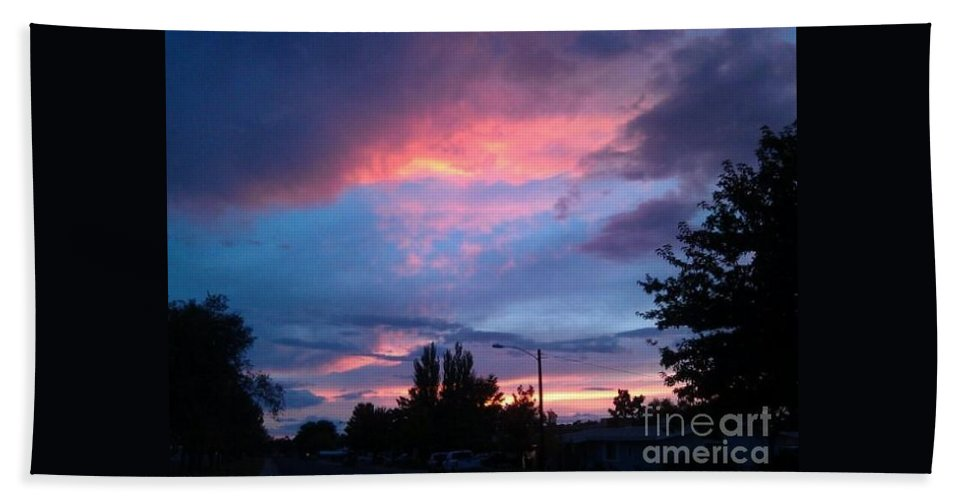 Red Hand Towel featuring the photograph Red Evening Arizona Sky by Frederick Holiday