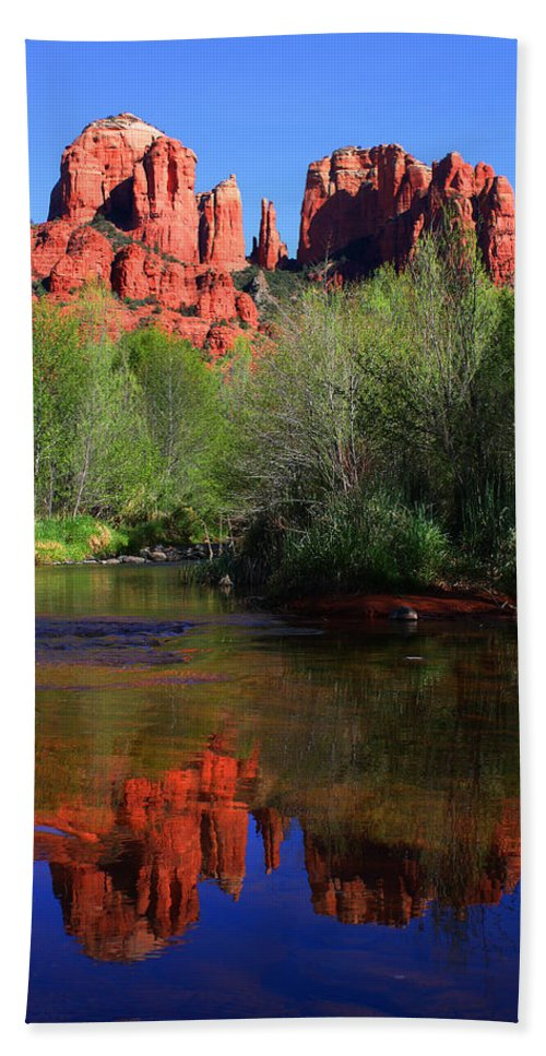 Sedona Hand Towel featuring the photograph Red Rock Crossing Reflections by Laurie Larson