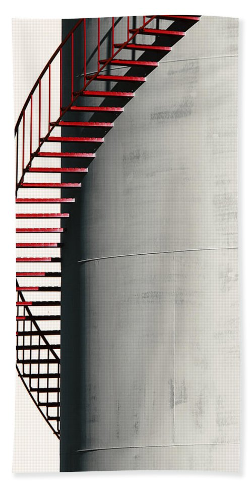 Metal Bath Sheet featuring the photograph Red Steps On Tank by Robert Woodward