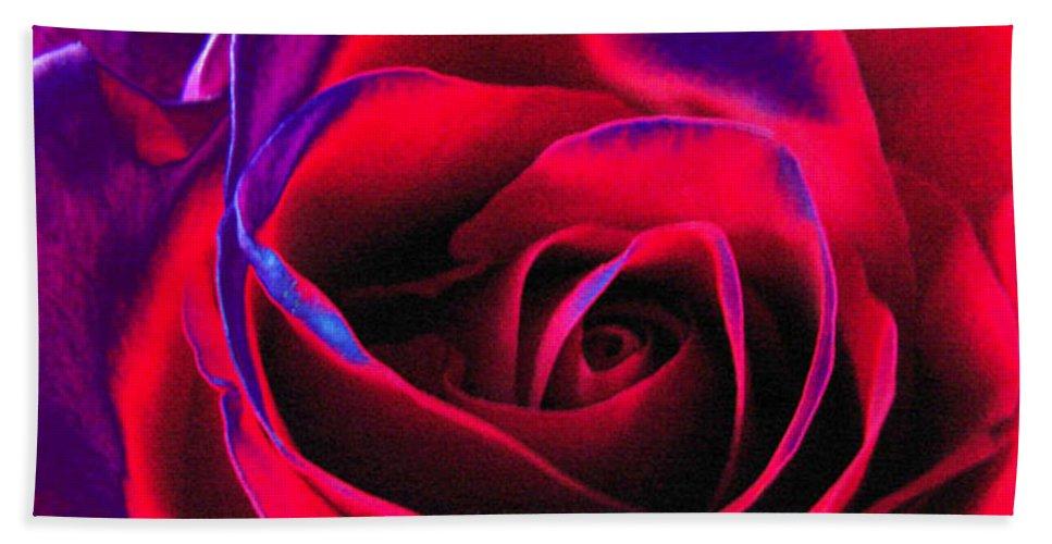 Velvet Bath Sheet featuring the digital art Red Velvet by Carol Lynch