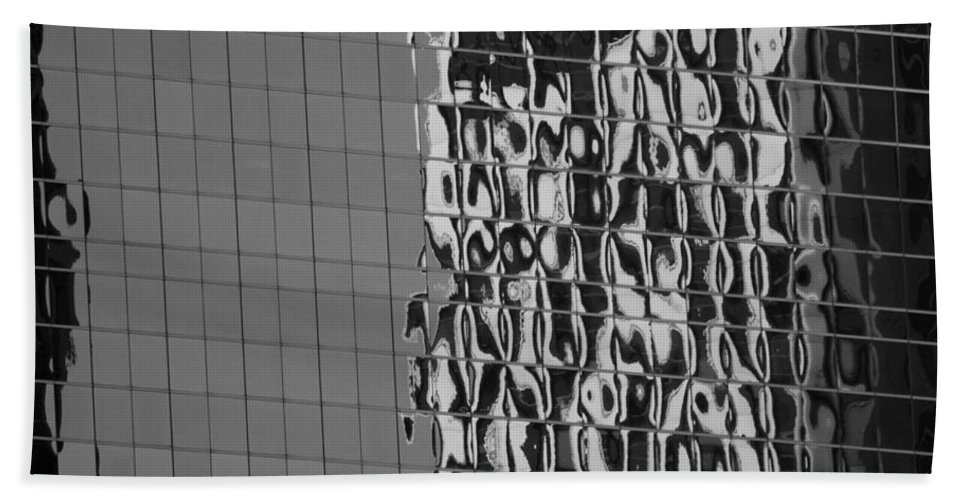 Scenic Hand Towel featuring the photograph Reflections Of Architecture In Balck And White by Rob Hans