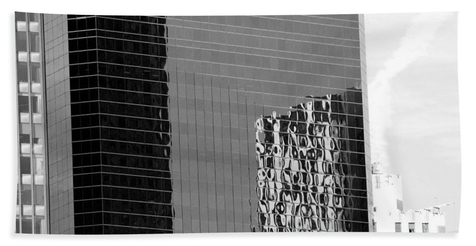 Scenic Hand Towel featuring the photograph Reflections Of Architecture In Black And White by Rob Hans