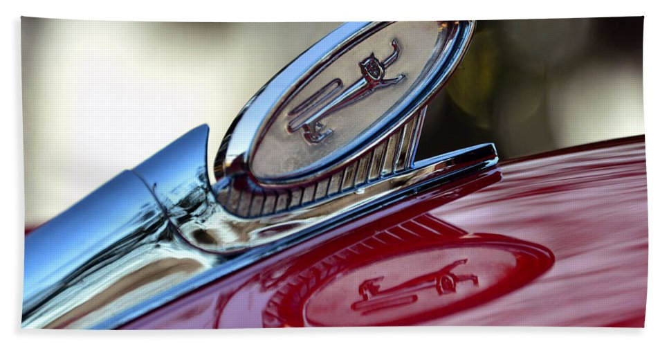 1960 Ford Galaxy Starliner Hood Ornament Hand Towel featuring the photograph Reflections Of Pride by David Lee Thompson