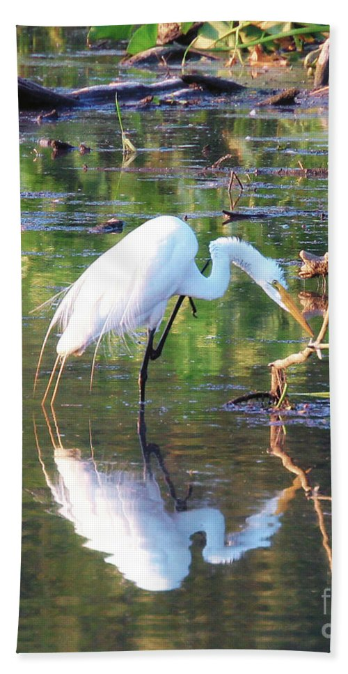 Egrets Bath Sheet featuring the photograph Reflections On Wildwood Lake by Geoff Crego