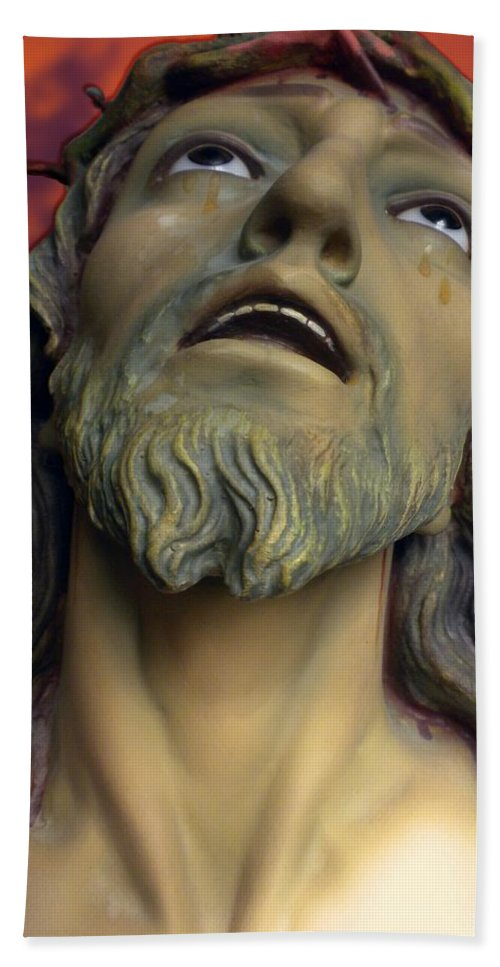 Christ Bath Sheet featuring the photograph Remember Me 02 by Thomas Woolworth