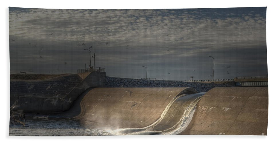 2014 Bath Sheet featuring the photograph Rend Lake Spillway by Larry Braun