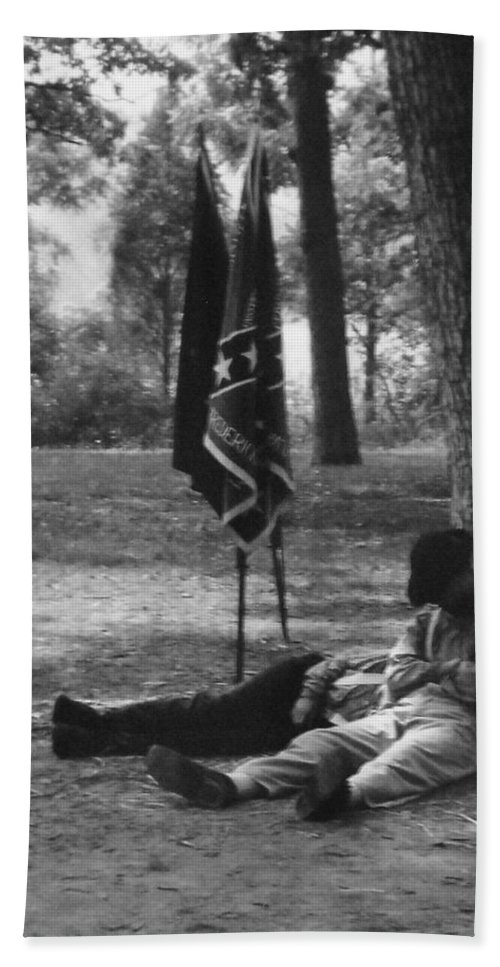Black And White Hand Towel featuring the photograph Resting At Gettysburg by Eric Liller