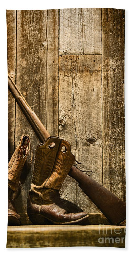 Rifle Hand Towel featuring the photograph Rifle by Margie Hurwich