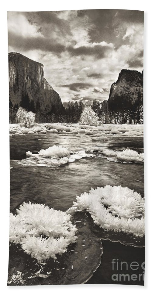 North America Bath Towel featuring the photograph Rime Ice On The Merced In Black And White by Dave Welling