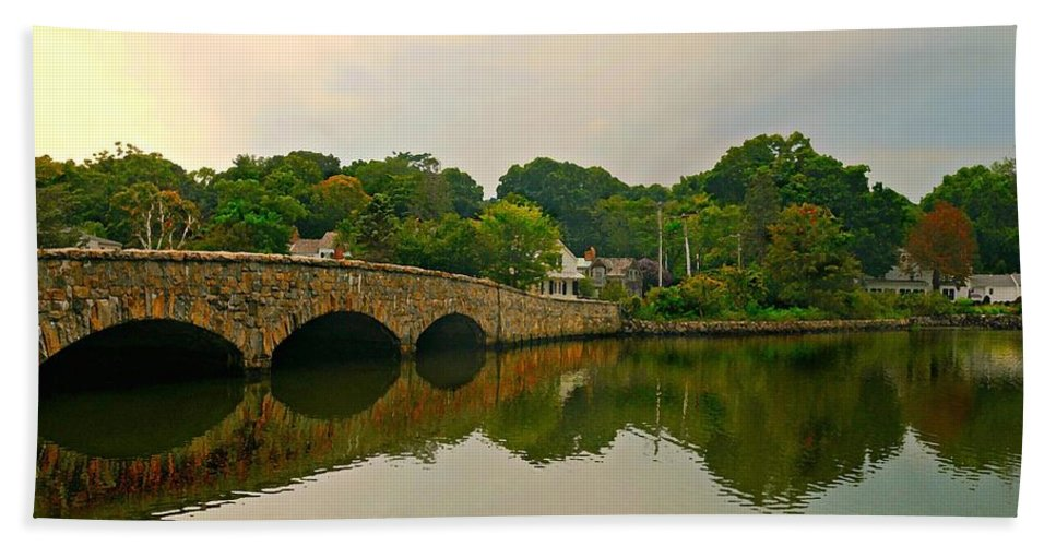 Gorham's Pond Bath Sheet featuring the photograph Rings End Bridge by Diana Angstadt