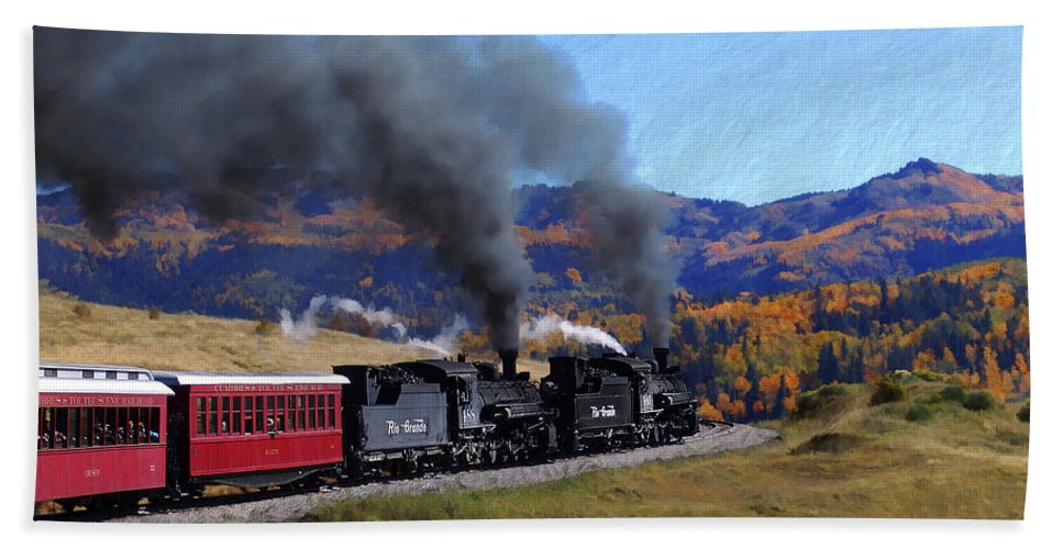 Railroad Hand Towel featuring the photograph Rio Grande 488 And 489 by Kurt Van Wagner