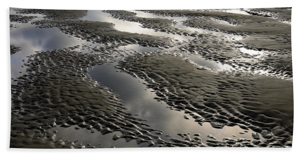 Bandon Hand Towel featuring the photograph Rippled Sand by John Shaw