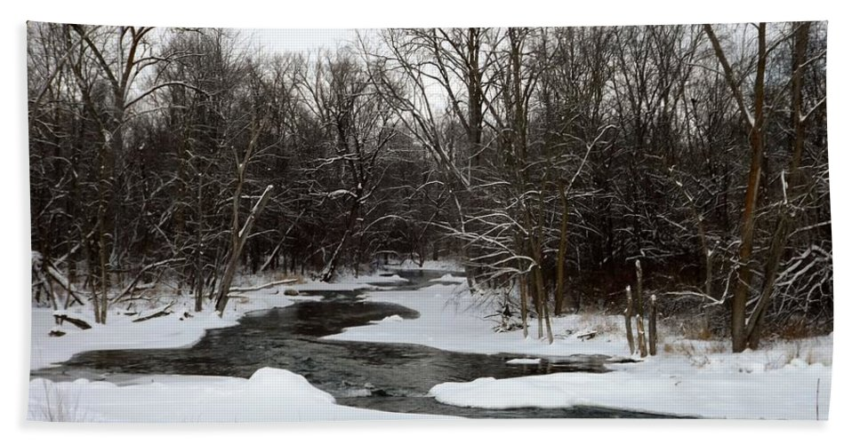 Chippewa River Hand Towel featuring the photograph River Freeze by Linda Kerkau