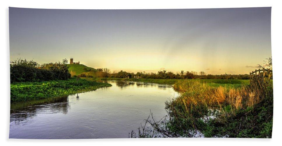 Burrowbridge Hand Towel featuring the photograph River Tone At Burrowbridge by Rob Hawkins