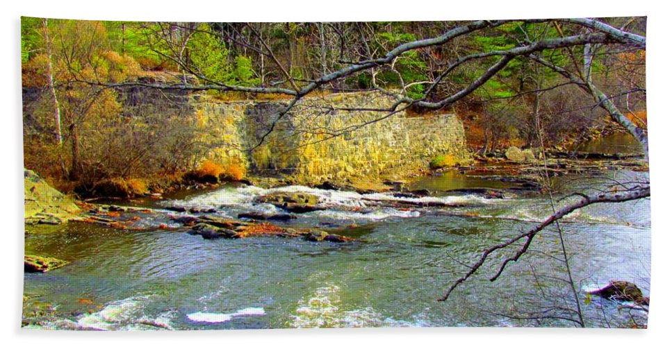 Royal River Hand Towel featuring the photograph River Wall by Elizabeth Dow