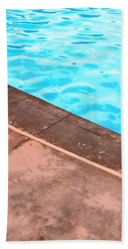 Riviera Hotel Hand Towel featuring the photograph Riviera Pool Palm Springs by William Dey