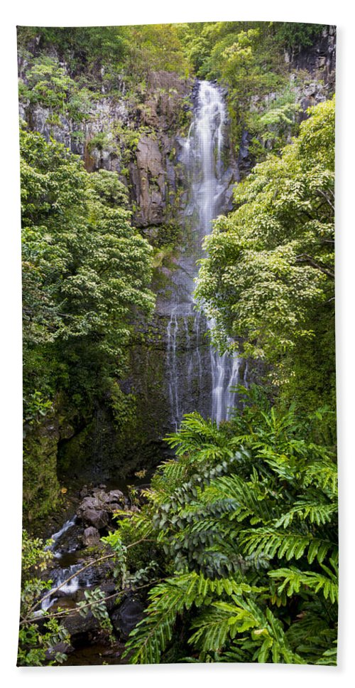 Road To Hana Waterfall Falls Waimea Valley Maui Hawaii Island Hi Hand Towel featuring the photograph Road To Hana Waterfall - Waimea Valley Maui Hawaii by Brian Harig