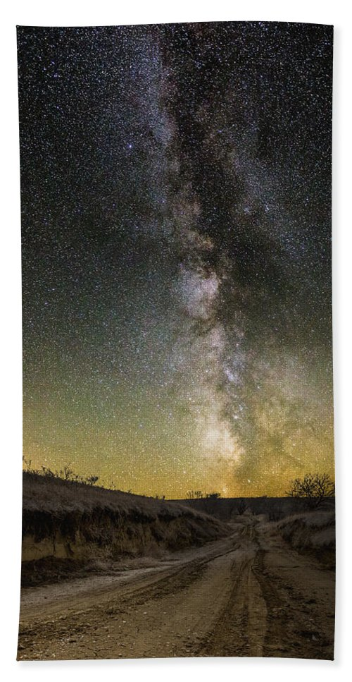 Great Rift Bath Sheet featuring the photograph Road To Nowhere - Great Rift by Aaron J Groen