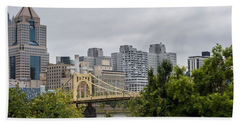 Roberto Clemente Bridge Pittsburgh Pa Hand Towel featuring the photograph Roberto Clemente Bridge Pittsburgh Pa by Terry DeLuco