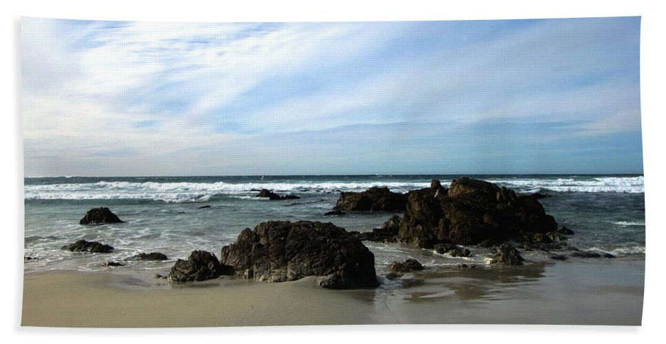 Pacific-ocean Hand Towel featuring the photograph Rocky Shoreline At Spanish Bay by Joyce Dickens