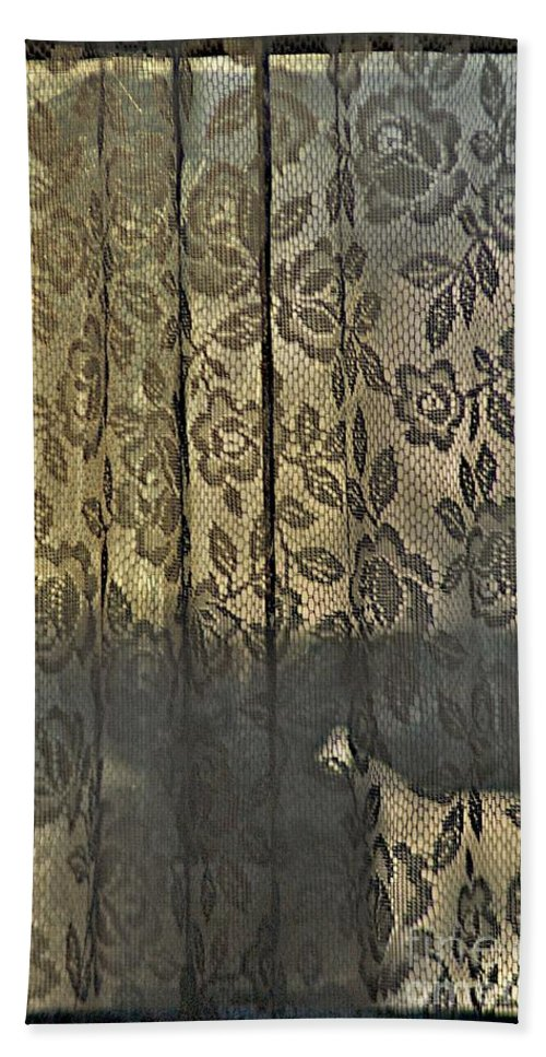 Curtains Hand Towel featuring the photograph Rogue's Lace by Joseph Yarbrough