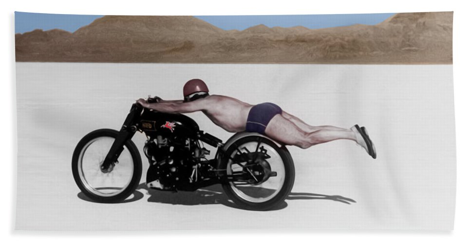 Rollie Free Bath Towel featuring the photograph Roland Rollie Free by Mark Rogan