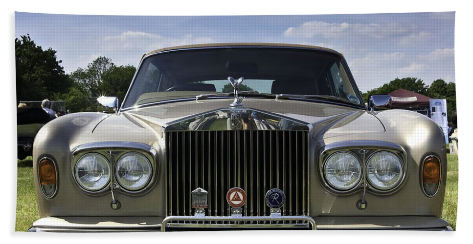 Rolls Royce Hand Towel featuring the photograph Rolls Royce Corniche 1980 by Peter Lloyd