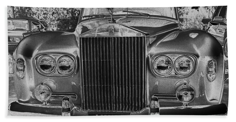Rolls Royce Hand Towel featuring the photograph Rolls Royce Grill by Jim Smith