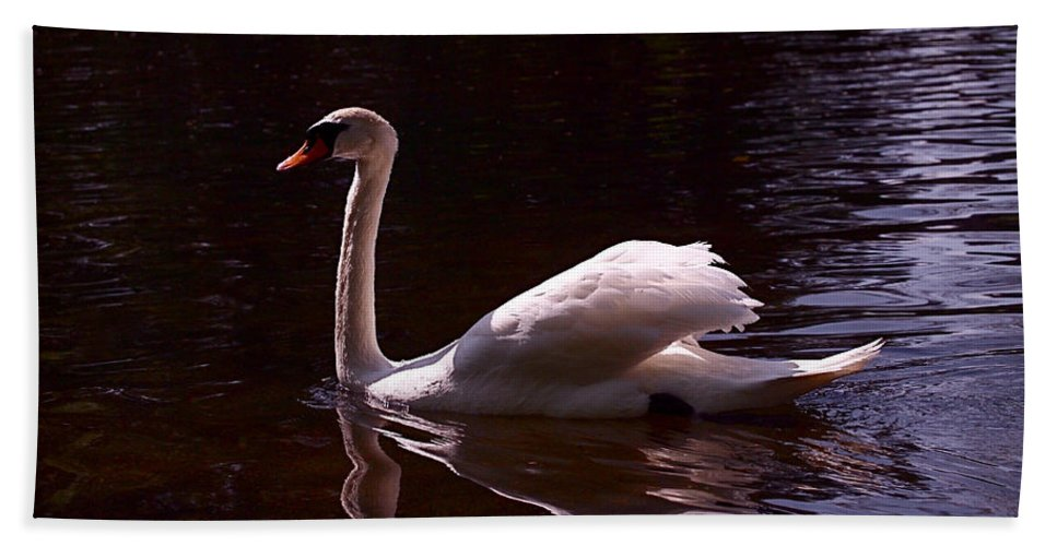 White Swan Bath Sheet featuring the photograph Romeo Or Juliet by Rona Black