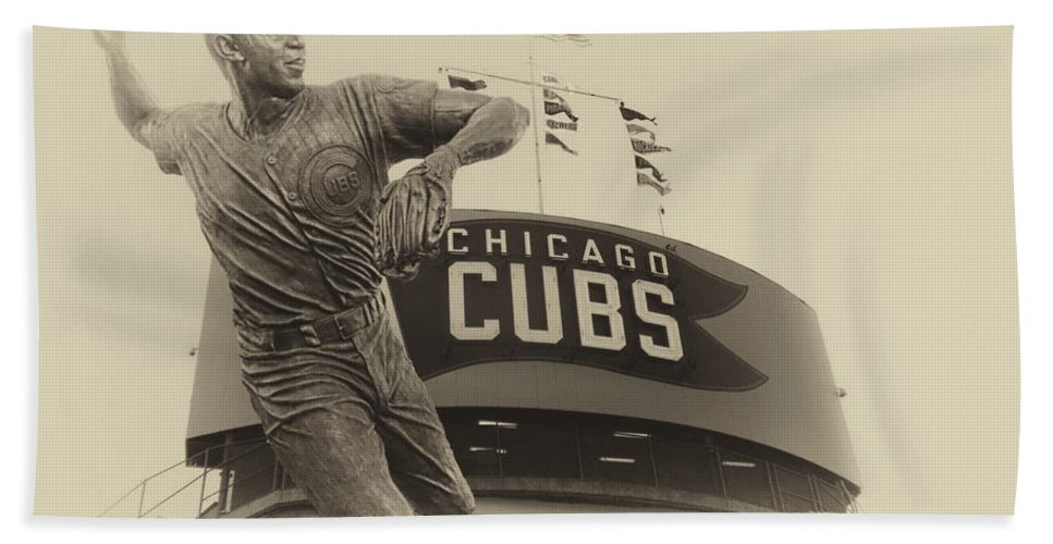 Chicago Cubs Bath Sheet featuring the photograph Ron Santo Chicago Cub Statue In Heirloom Finish by Thomas Woolworth