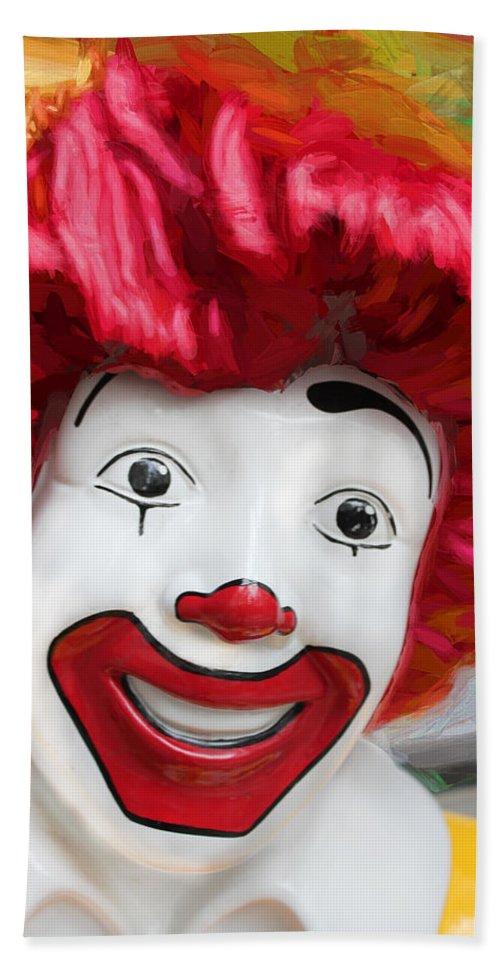 Ronald Mcdonald Bath Sheet featuring the photograph Ronald by Carlos Diaz