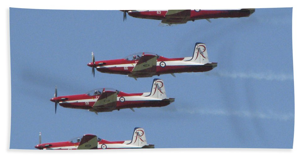 Acrobatic Bath Sheet featuring the photograph Roulettes In Tight Formation by Rodney Appleby