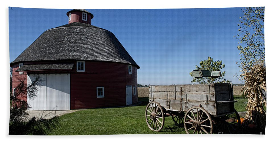 Barn Bath Sheet featuring the photograph Round Barn Wooden Wagon by David Arment