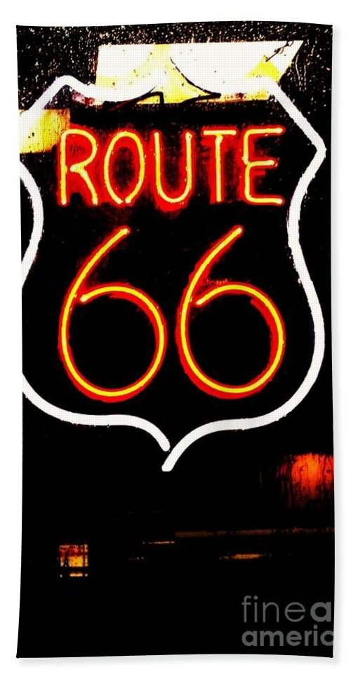 Hand Towel featuring the photograph Route 66 2 by Kelly Awad