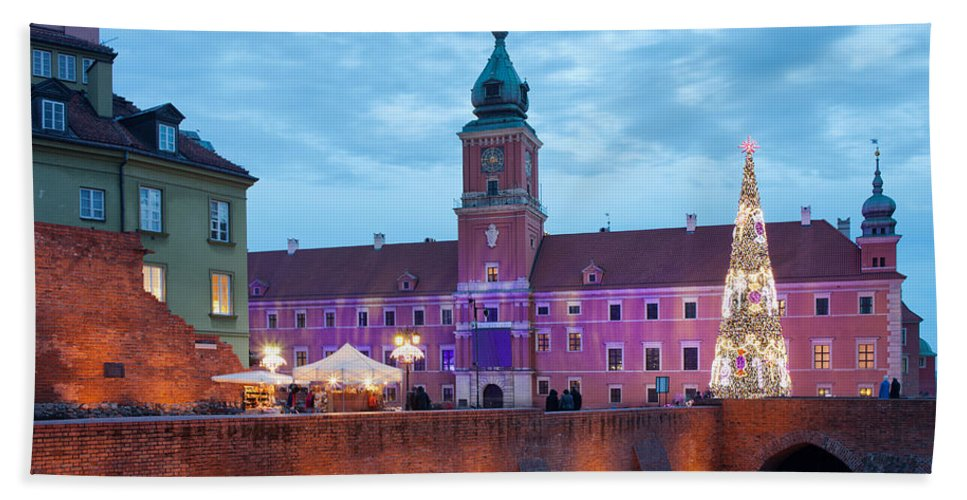 Architecture Hand Towel featuring the photograph Royal Palace In The Old Town Of Warsaw by Artur Bogacki