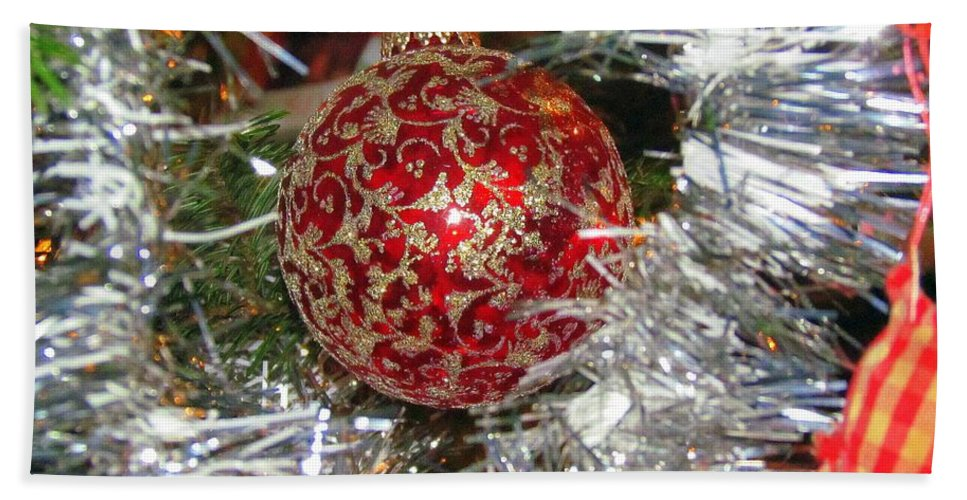 Christmas Tree Hand Towel featuring the photograph Ruby Red Ornament by Elizabeth Dow