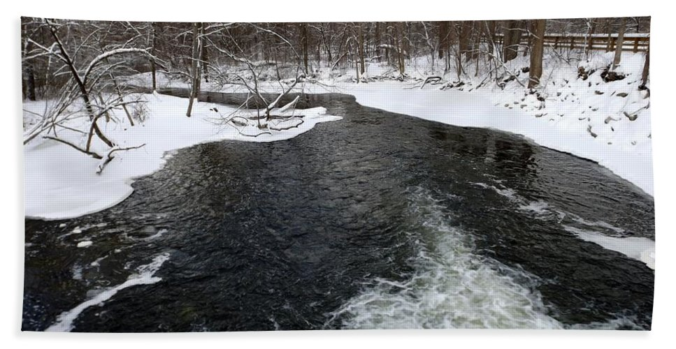 Chippewa River Hand Towel featuring the photograph Rushing River by Linda Kerkau