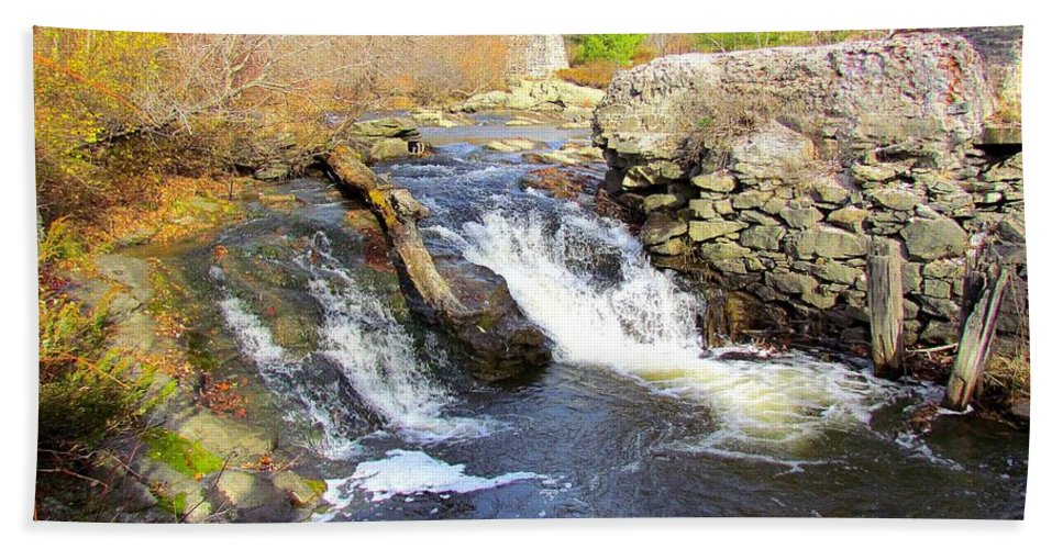 Royal River Hand Towel featuring the photograph Rushing Waters by Elizabeth Dow