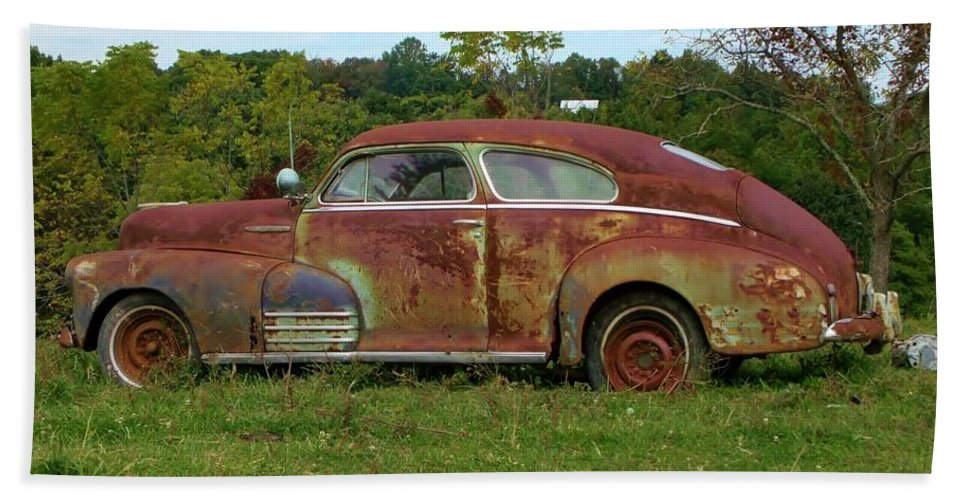 Car Bath Sheet featuring the photograph Rusty Gold by Wendy Gertz