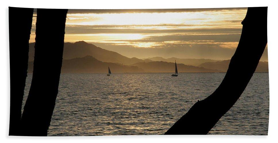 San Francisco Bath Sheet featuring the photograph Sailing At Sunset On The Bay by Robert Woodward